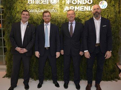 El diputado Hernán Berisso; el diputado Nicolás Massot; el presidente de la Cámara de Diputados, Emilio Monzó; y el diputado Waldo Wolff