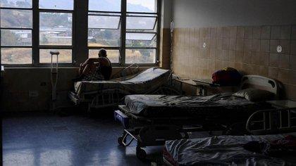 Más de 10.000 pacientes están enriesgo por el apagón en Venezuela, según la ONG Codevida (AFP)