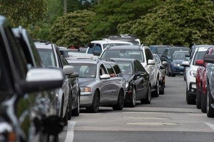 Interminables filas en Norfolk, Virginia (Reuters)