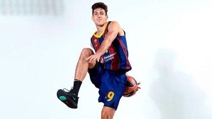 Bolmaro ya deslumbra con la camiseta 9 del Barcelona (@leandro_bolmaro)