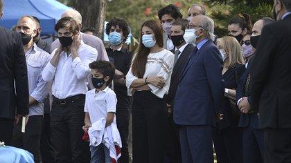 La familia despidió los restos de Carlos Menem, tras la lectura de un fragmento del Corán
