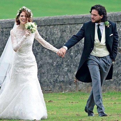 Kit Harrington y Rose Leslie en su boda.