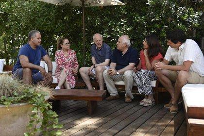 Lavagna mantuvo una reunión en Cariló con miembros de Consenso Federal