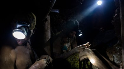 El trabajo en las minas (Bloomberg)