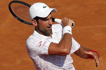 Novak Djokovic durante el partido. EFE/EPA/Clive Brunskill