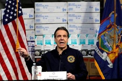 Andrew Cuomo, gobernador de Nueva York, durante una de sus conferencias de prensa para referirse a la lucha contra la pandemia de coronavirus en el estado (REUTERS/Mike Segar/File Photo)