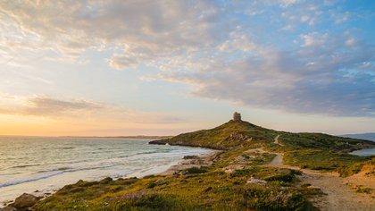 Toda la costa de Cerdeña es espectacular, solo es necesario trabajar un poco más para llegar a las playas menos obvias