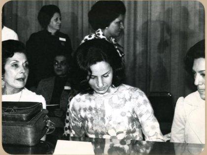 La viuda de Allende, Hortensia Bussi, y sus dos hijas, Isabel y Carmen, fueron de las primeras exiliadas en México tras el golpe (Foto: Cortesía/ Especial)