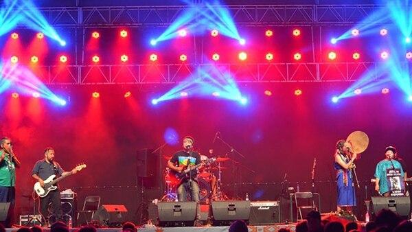 La banda contará con la dirección musical de Guillermo Beresñak