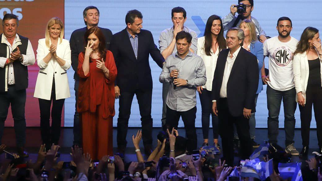 Alberto Fernández, Cristina Kirchner y Sergio Massa ya trabajan en las leyes que deberá aprobar el nuevo Congreso (NA)