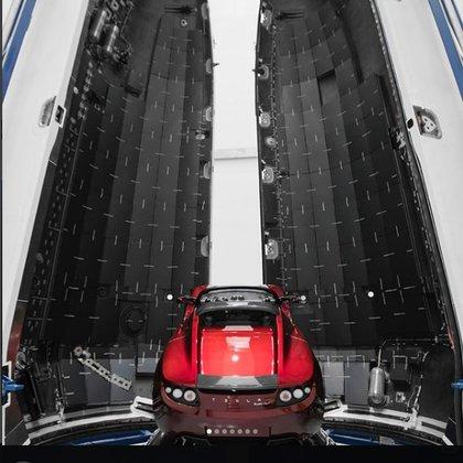 El Tesla Roadster que Musk planea enviar a Marte a comienzos de 2018