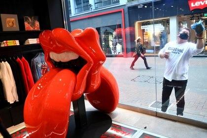 En 2020 se abrió 'RS No. 9 Carnaby', en Londres, una tienda especializada en productos de la famosa lengua stone (REUTERS/Dylan Martinez)