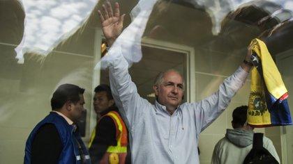 Antonio Ledezma aterrizó el sábado en Madrid tras escapar de Venezuela