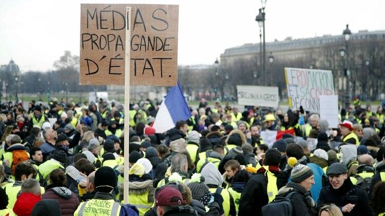 """Chalecos amarillos"" (REUTERS/Charles Platiau)"