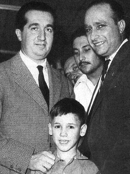 Ascari y Fangio en la fiesta que pagó el argentino por ser campeón en 1951 (Archivo CORSA).