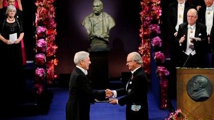Mario Vargas Llosa recibió el premio Nobel de Literatura en 2010. (EFE)