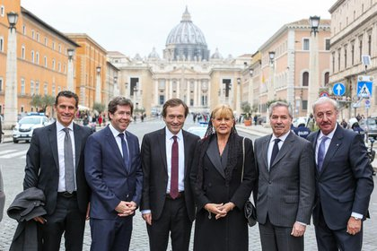 La delegación que acompañó a Alberto Fernández al Vaticano