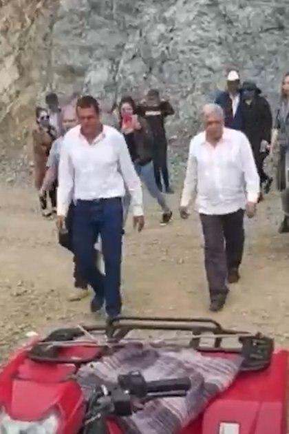 AMLO estuvo de gira de trabajo en Sinaloa, donde también saludó a la mamá de Joaquín Guzmán Loera (Foto: Captura de vieo)