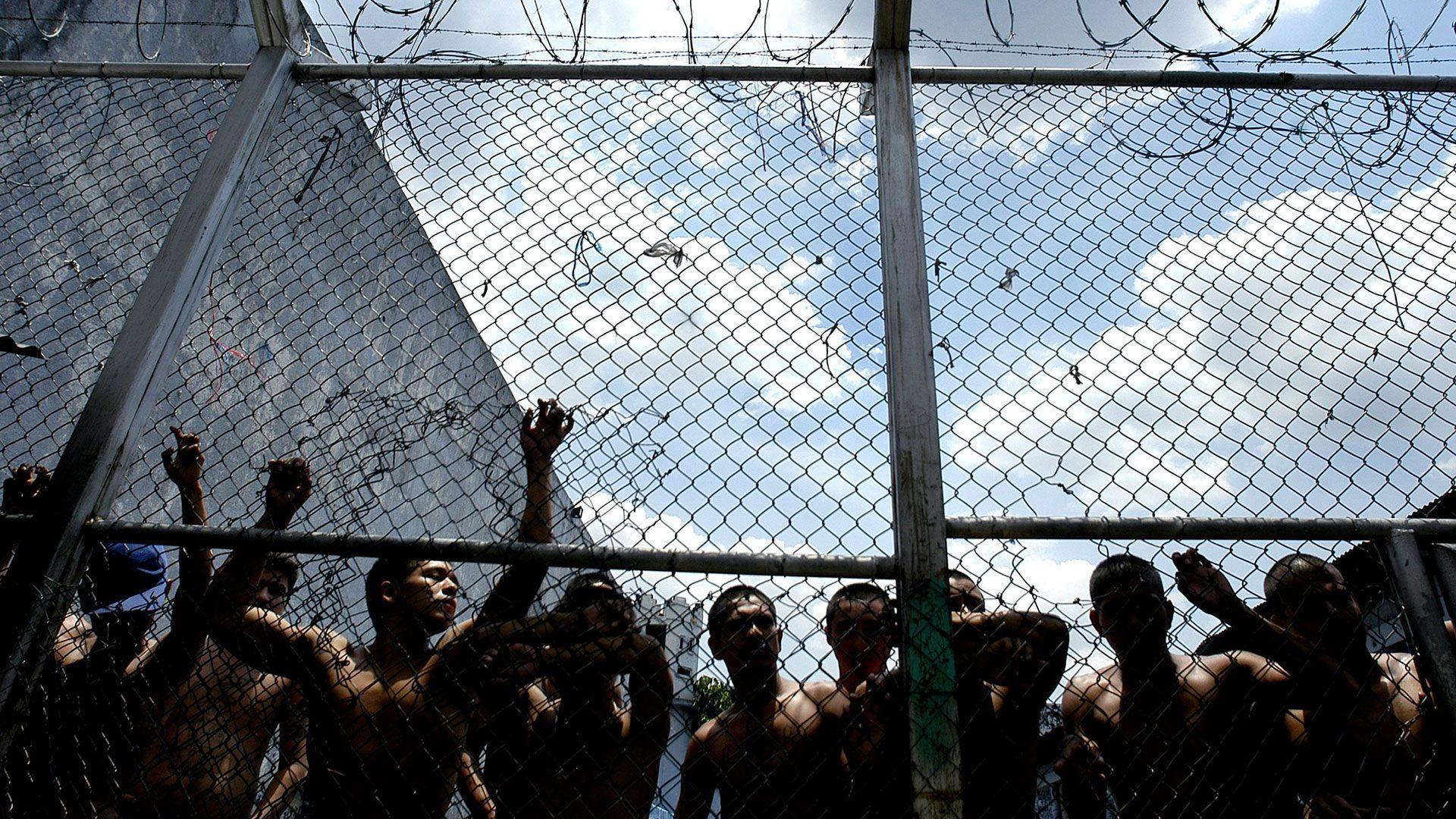 Los militares y otros presos políticos viven en las cárceles venezolanas en condiciones de hacinamiento y tortura.