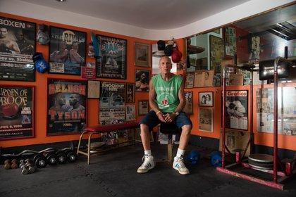 Castellini en el ring de su gimnasio de la calle Viamonte, ahora cerrado por la cuarentena impuesta por el coronavirus.