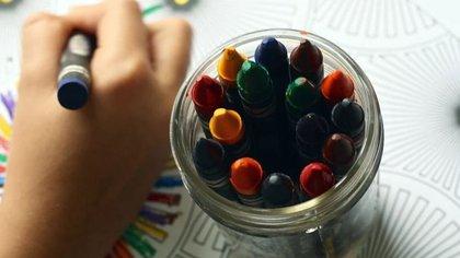 Alumnos seguirán sus clases a distancia de lunes a viernes. (Foto: Pixabay)