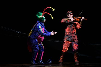 """La música tiene un papel central en """"OvO"""": es tocada en vivo y recorre gran parte de los sonidos brasileños (Cirque du Soleil)"""