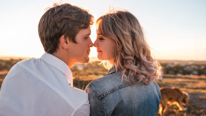 """""""La literatura sobre besos sugiere que los hombres y las mujeres piensan en besar de manera diferente"""" (Shutterstock)"""
