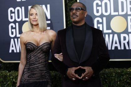 Paige Butcher y Eddie Murphy en la entrega de los Globo de Oro del año pasado (REUTERS/Mario Anzuoni)