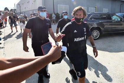 Andrea Pirlo comenzó su aventura como entrenador de Juventus (REUTERS/Massimo Pinca)