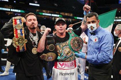 En la última pelea de Álvarez, el campeón mexicano se midió contra Avni Yildirim en el mes de febrero (Foto: EFE/EPA/ED MULHOLLAND)