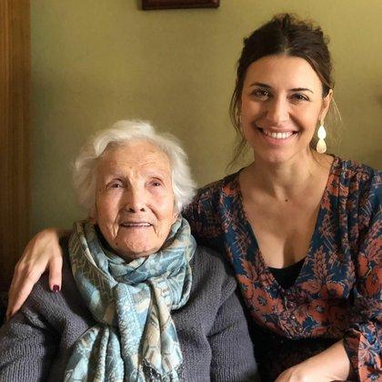 Mariana junto a su abuela Elsa (Foto: Instagram @breymariana)