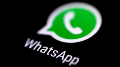 Es fundamental hacer una copia de respaldo de los chats de WhatsApp en la nube para no perder el contenido (REUTERS/Thomas White)