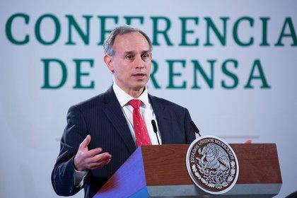 López-Gatell comentó que con la autorización existe ya la posibilidad de que la vacuna sea importada