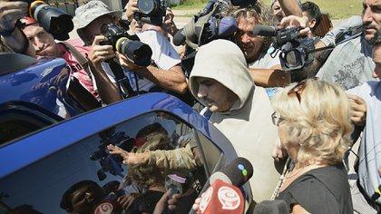Tablado en su primera salida de prisión tras el femicidio de Carolina Aló (Foto: Gustavo Gavotti)