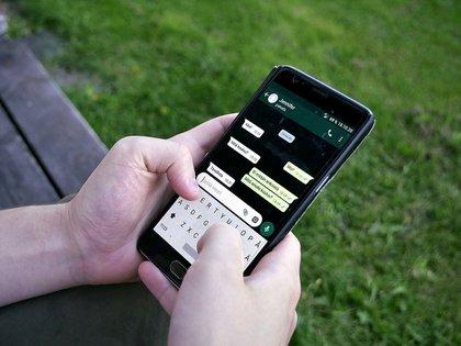 En México, 17% de los usuarios de WhatsApp usan la aplicación más de 6 horas al día (Foto: Wiki Commons)