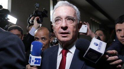 Álvaro Uribe en su llegada a la Corte Suprema este martes. (Reuters)