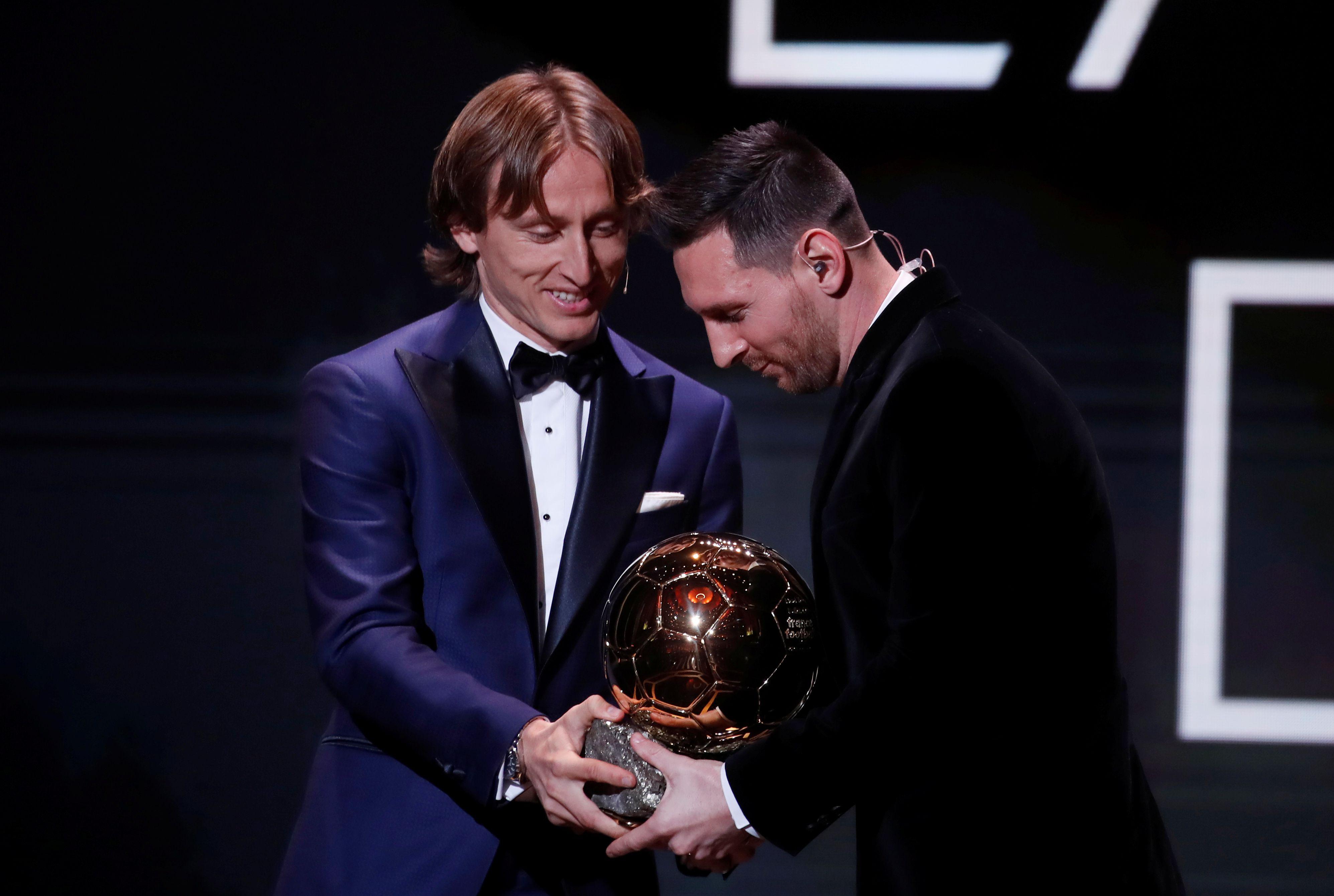 """Luka Modric, contundente ante una posible salida de Messi del Barcelona: """"La vida seguirá igual"""" REUTERS/Christian Hartmann"""