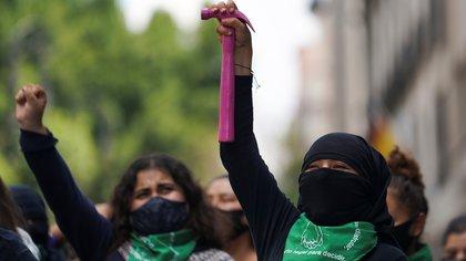 Concluyó marcha feminista en la CDMX con 11 policías heridas (Foto: Reuters / Toya Sarno Jordan)