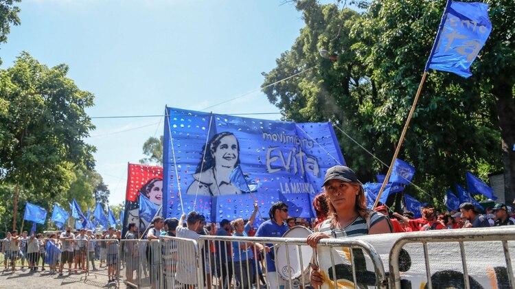 Militantes del Movimiento Evita estuvieron presentes en el Polideportivo Alberto Balestrini