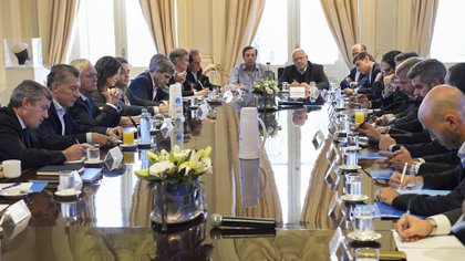 Caras serias en la última reunión de gabinete encabezada por Macri, el jueves pasado