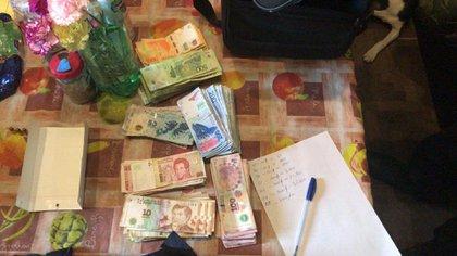Parte del dinero secuestrado en los procedimientos.