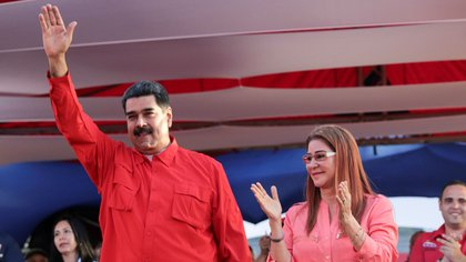 Nicolás Maduro y su esposa, Cilia Flores, durante un acto este miércoles (Reuters)