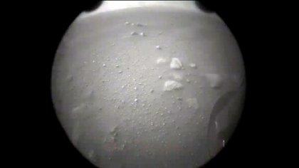 Tras aterrizar en Marte, el rover Perseverance envió un par de imágenes desde el planeta rojo