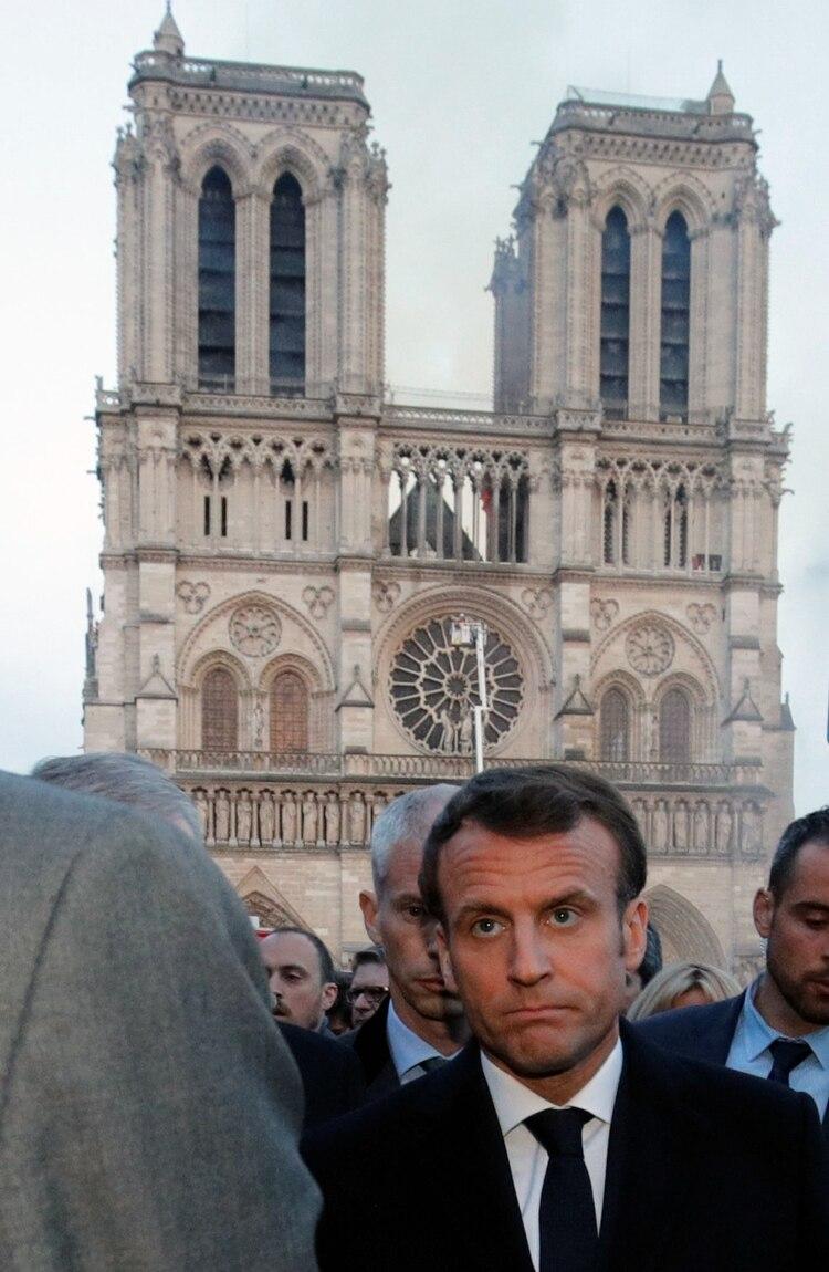 Emmanuel Macron en el homenaje del miércoles en Notre Dame (Philippe Wojazer/Pool via The New York Times)