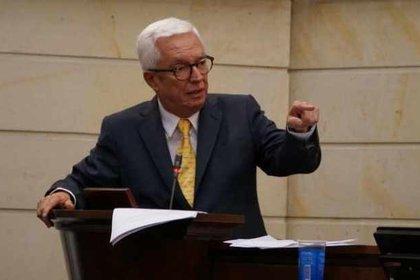 El Senador Jorge Enrique Robledo deja el Polo Democrático para crear su propio proyecto político.