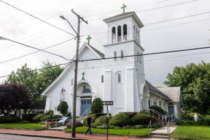 Para algunos estadounidenses la afiliación religiosa es vista como una reliquia de viejas generaciones (Foto: Shutterstock)