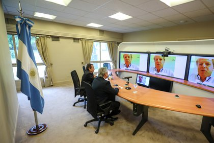 Alberto Fernández mantuvo una reunión con el Banco Mundial, ayer, también por videoconferencia (Presidencia).