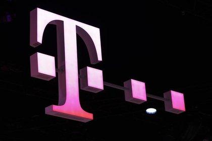 Imagen de archivo del logo de Deutsche Telekom en el Mobile World Congress en Barcelona, España, 26 de febrero de 2018. REUTERS / Yves Herman