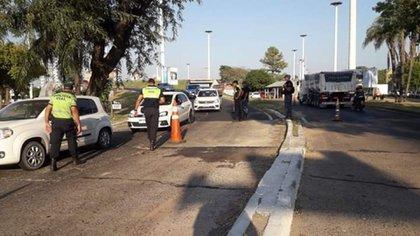 Controles en la ruta que une Resistencia con Corrientes