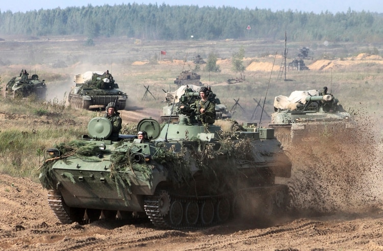 Resultado de imagen de rusia lleva tropas a su frontera con lituania